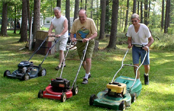 3-man-mowing-crew